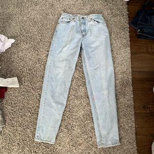 Levi Mom Jeans (550)